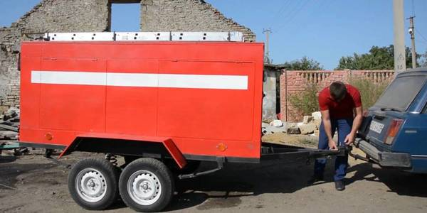 Firefighters-volunteers: DIY fire truck