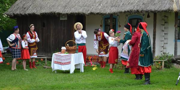 Ukrainian traditions cherished in Cherkaska AH of Donetsk Oblast