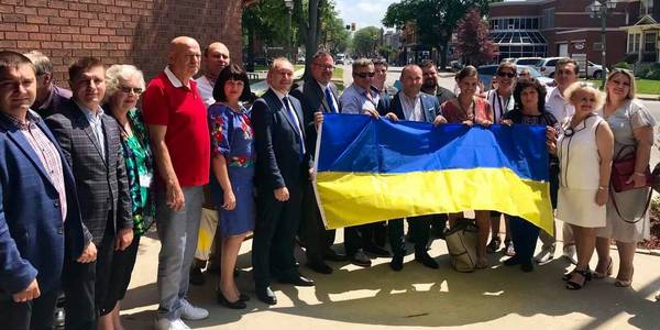 Ukrainian hromada heads learning from Canadian counterparts on study tours in Ontario province