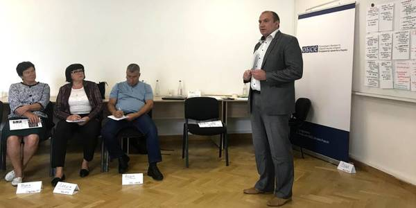 Hromadas' accession to cities and AHs in Kyiv Oblast: understanding through dialogue