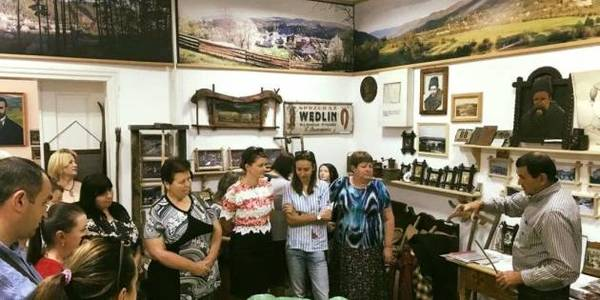 Ivano-Frankivsk Oblast's AH launches production of Hutsul sleeveless jackets, that disappeared a hundred years ago