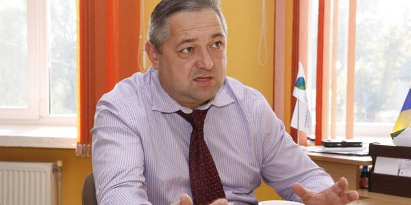 Distilling plants have to produce sanitisers and national enterprises must manufacture artificial ventilation apparatuses, diagnostic tests and everything we lack now. An interview with Hlyboka AH head