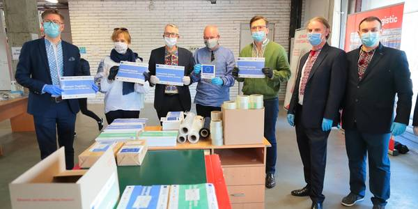 Packing of protective healthcare kits to support hromadas in coping with COVID-19 pandemic