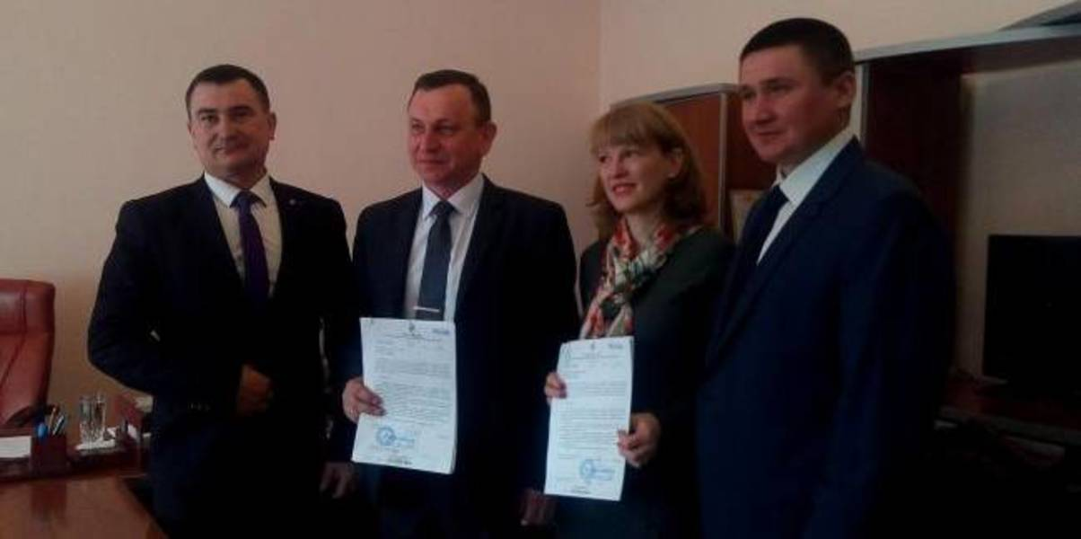 From now on, two hromadas in Rivne Oblast will dispose of land on their own