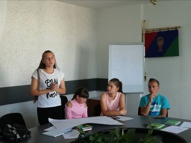 Hromadas at a trot. Youth of Baranivska AH collects ideas for youth policy programme