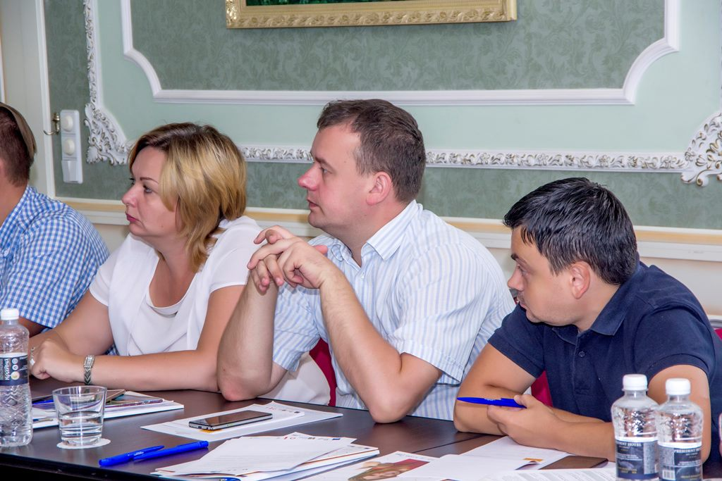 Advisers on local finances have passed training on planning local budgets